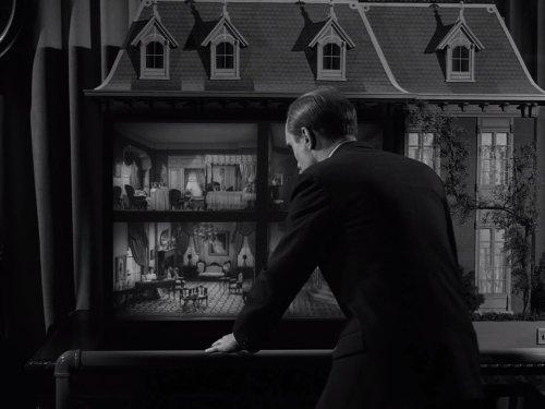 Miniature - The Twilight Zone season 4