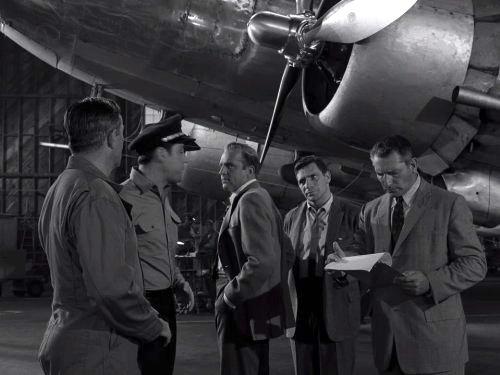 The Arrival - Twilight Zone season 3